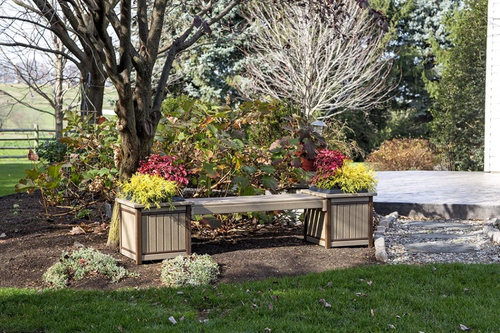 bench with two planters on either end
